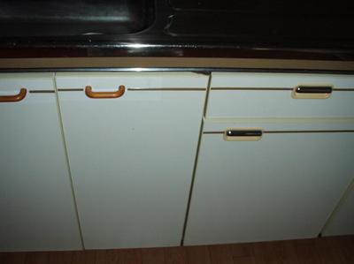 キッチンセット扉の修繕